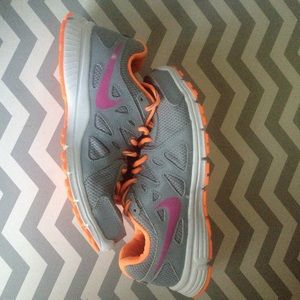 Nike sneakers- WMNS 7- GREAT CONDITION